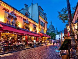 Рестораны на площади Тертр, Монмартр, Париж.